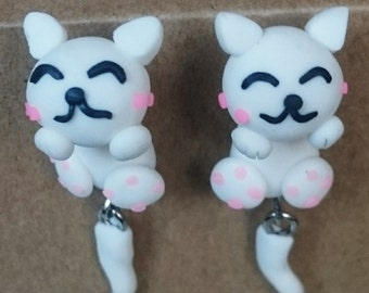 Dangling earrings little white cat smiling