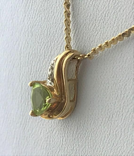 10k gold peridot pendant, Trillion pendant, gold p