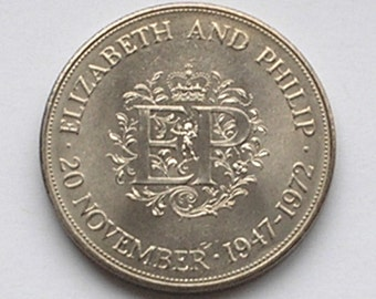 Uncirculated crown Queen Elizabeth II & Prince Phillip 25th Wedding Anniversary 1947 - 1972 commemorative coin money coinage collectable
