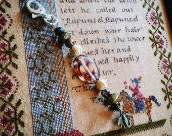 Scissor Fob - acrylic beads and glass beads.  Bee charm