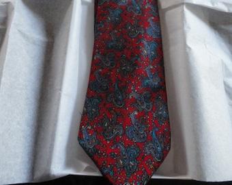 Made in the Dominican Republic. Men/'s Como Colletzione 100/% Silk 58 Inches Long Necktie 4 Inches Wide