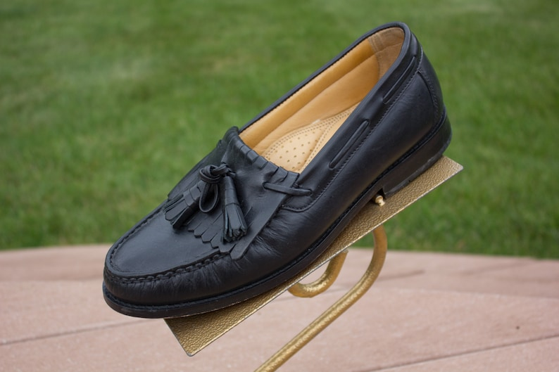 b3bd0c9ed57dd Vintage Men's Bass Black Loafer Slip On Shoe Size 8M Leather Tied Tassels