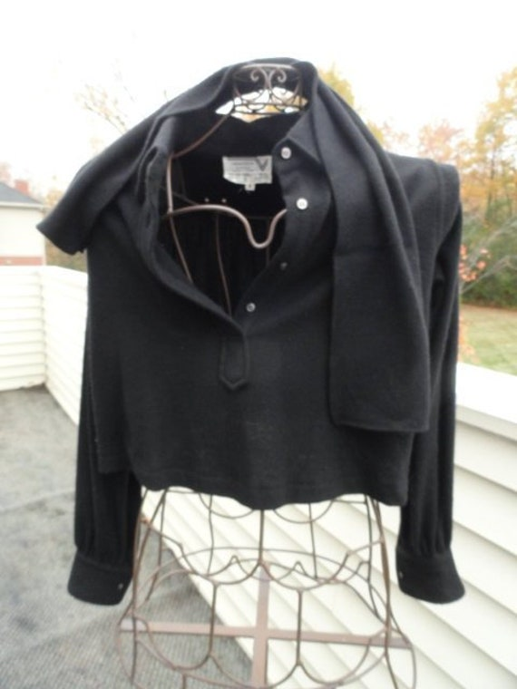Vintage Scarf Styles -1920s to 1960s Vintage 1970s Valentino Boutique Black Crop Blouse Scarf Size 4 Wool Angora Roma Italy $335.99 AT vintagedancer.com