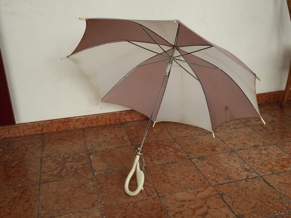 Gloria Vanderbilt brand umbrella, from the Seventi