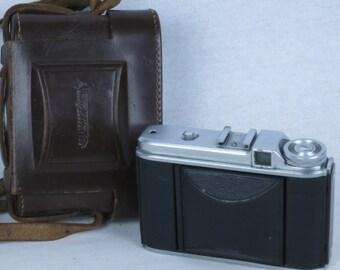 Voigtlander PERKEO I, 6x6 viewfinder folding camera, ca. 1954. with case. EXC+