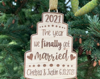 2021 Wedding Gift | The year we finally got married Christmas Tree Ornament | Wedding Couple Ornament | 2021 Pandemic Wedding Gift