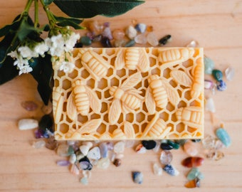 Natural Soap with Honey and Beeswax /Gift under 20 / Gift for her / gift for him / Organic ingredients, editors pick / award winning soap