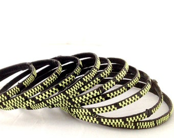 Bracelet plastic bracelet, braided ethnic bracelet with recycled wire from electrical wire, set of 10 yellow, black African bangles