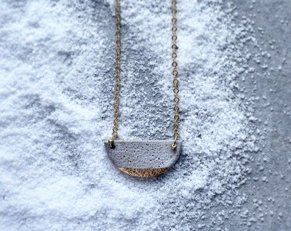L Gold Dipped Textured White Necklace