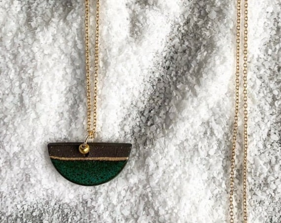 MD Green & Gold Line Necklace