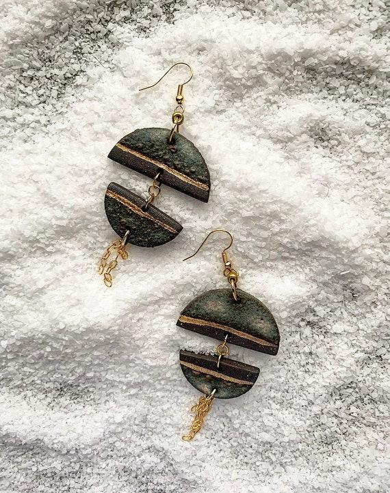 Stormy Gray Gold Chain Tassel Earrings