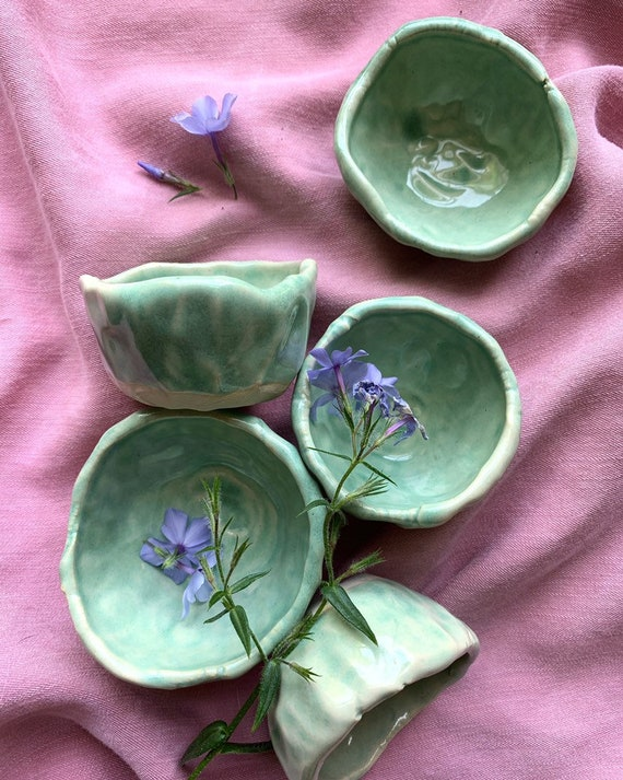 Sprouted Spring Pinch Bowls