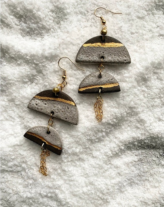 Textured White and Gold Chain Tassel Earrings