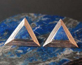 Lapis lazuli triangle studs earrings