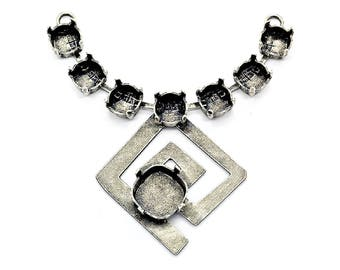 Necklace center piece with Indian spiral element and 12-12mm setting