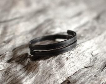 Minimal Iron Ring, Simple Black Ring, Handmade Adjustable Ring, Plain Dark Grey Ring, Metal Rustic Ring, Raw Wire Ring, Unisex Women Men