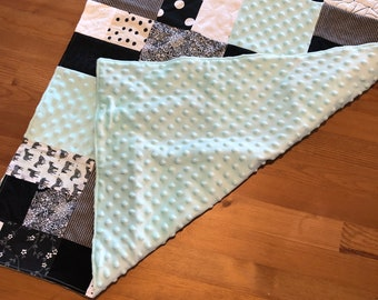 Small Baby Blanket- Black, white and miny with mint minky back