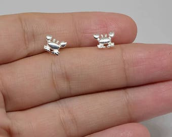 Crab Sterling Silver Stud Earrings, Summer Studs, Minimal Earrings, Tiny Jewelry
