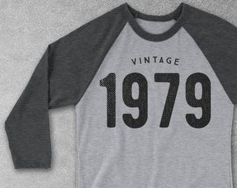 70th Birthday Gifts 1947 1948 Vintage Baseball Tee