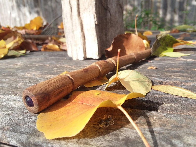 Dueling Wand Cedar with Amethyst