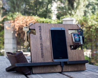 Personalized mens docking station - iPhone charging stand, anniversary gift idea – boyfriend charging dock, Gift for men