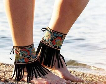 AubbieRoe Ankle Wear - Black Embroiderd Floral