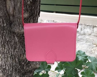 Pink leather messenger bag, Sac Seau Cuir, Leather messanger bag, Leather cross-body women, Cross body bag, Pink bag, Ophelia pink small