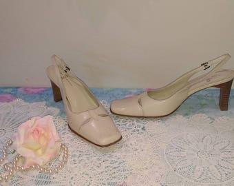 Cream Beige Sling pump dress shoe, Size 7.5 Narrow