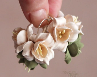 flower earrings, olive earrings, green earrings, gift for her, ivory bride jewellery, pink bridal jewellery, green jewellery, white flower