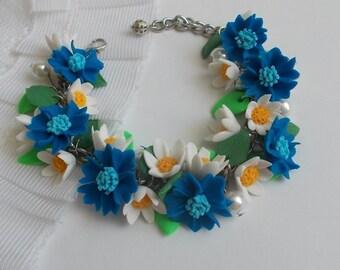 Daisy bracelet,cornflover bracelet, bridal accessory, cold porcelain, bridesmaid accessory, bridesmaid bracelet, flowers accessory, flower