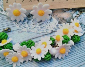 Daisy bracelet, bridal accessory, cold porcelain, bridesmaid accessory, bridesmaid bracelet, flowers accessory, flower