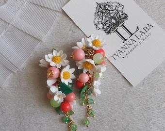 Daisy flower earrings, wild flowers, cute earrings, stylish earrings, handmade, gift earrings