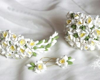 flower wedding set, flower bride bracelet, white fresia comb, white bride, white bride comb, bridesmaids gift, wedding stuff, bride bracelet