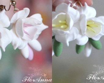 white earrings, flower earrings, pink jewellery, bride accessory, flower jewellery, bridesmaids gift, pink bride, pink flower earrings