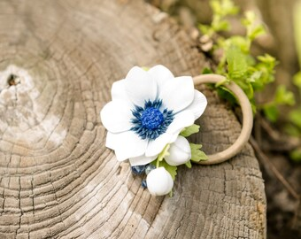 anemone scrunchy, anemonr hair, hair accessory, white flower jewellery, bridal flower, flower accessory, white bridal flower, wedding