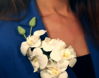 white brooch, orchid boutonniere, groomsman boutonniere, orchid headband, bride jewelry, bridesmaids gift, gift for her, broche hairclip