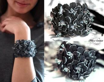 flower bracelet, black bracelet, black gladiolus, gladiolus bracelet, bride jewelry, bridesmaids gift, gift for her, black corsage, black