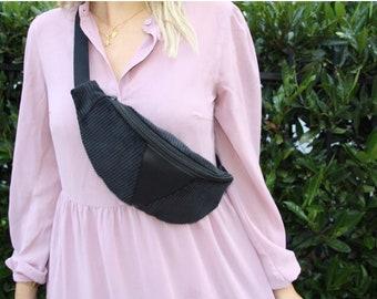 Belly bag // hipbag // Birthday gift // Belt bag // vegan // Crossbody // Gifts for her//Cord