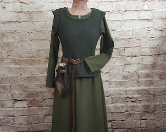 GOT winter smieder wool larp bodice winter fantasy SCA Wool walk bodice bordeaux red medieval bodice