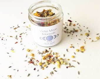Floral Facial Steam // rose petal and flower face steam // natural facial care // natural beauty // vegan skin care // spa and relaxation