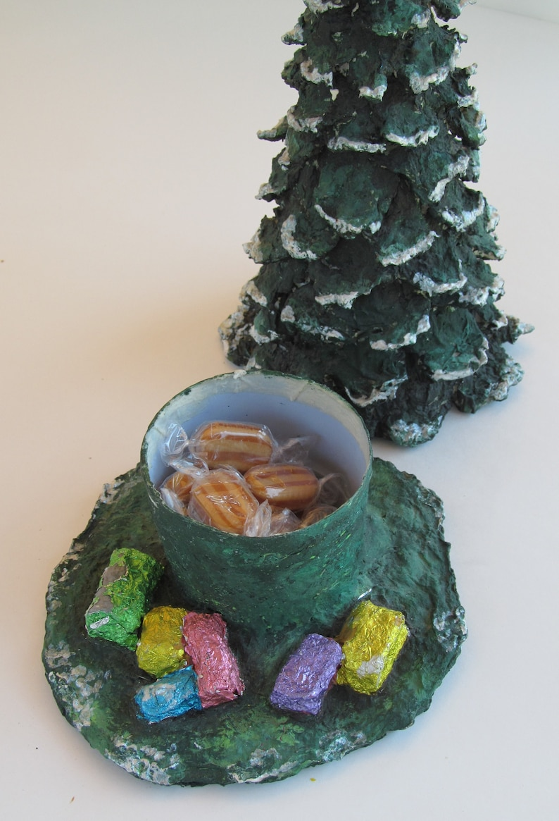 How to make a 3D papier mache Christmas Tree candy dish image 0