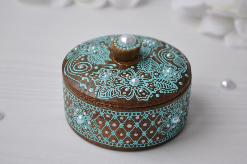 Round ring jewelry box Tiny jewelry box Small circle wooden boxes Earring holder Jewelry storage Proposal ring box Engagement ring box