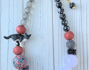 Lenora Dame Queen Mum Frank The Cat Beaded Necklace