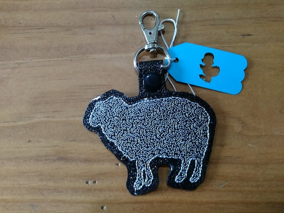Wooley Jumpers Black /& White Sheep Keychain