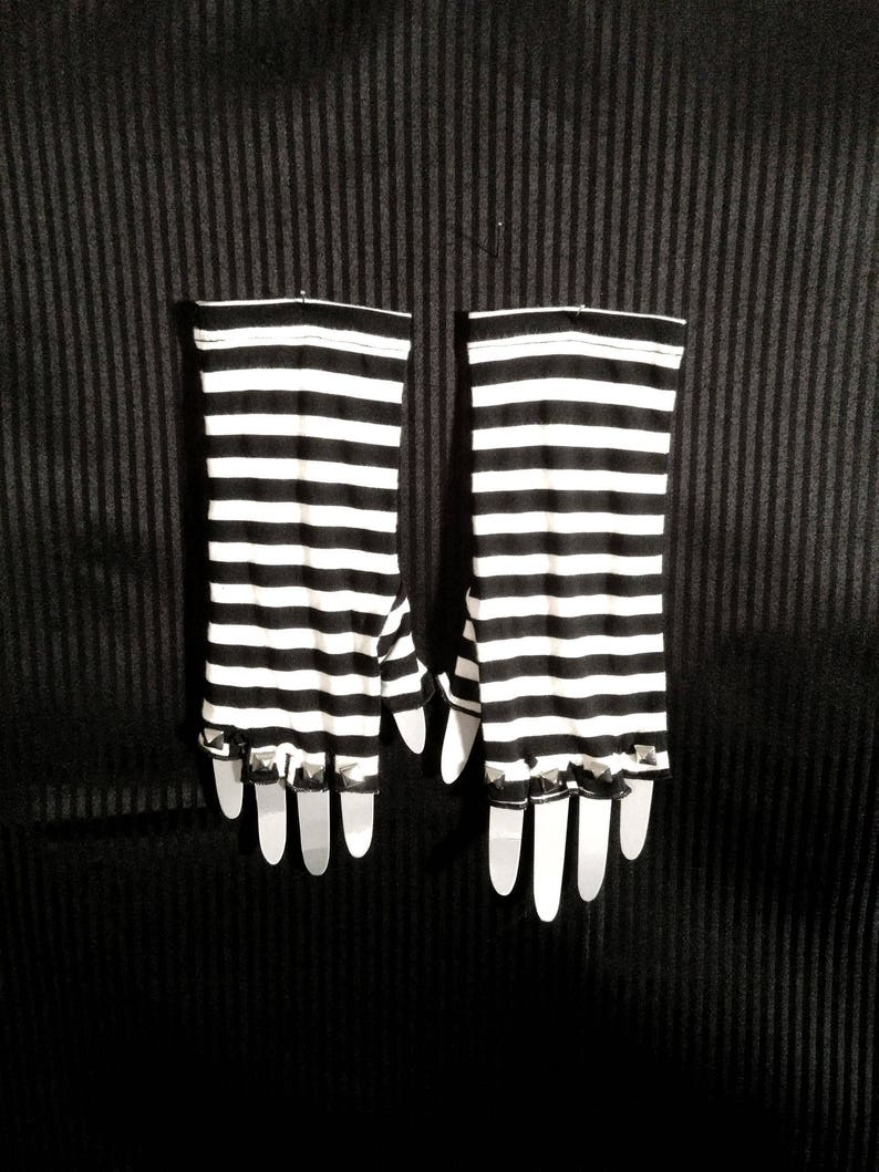Stud Fingerless Gloves Pair