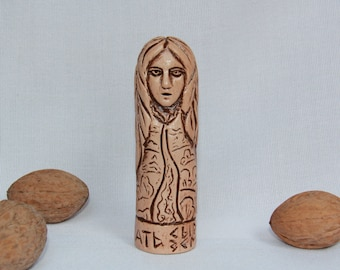 MOTHER RAW EARTH Figurine