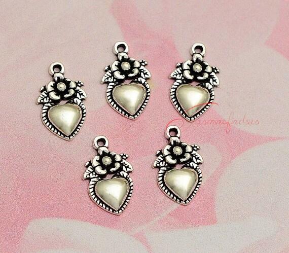 20PCS--18x11mm Heart charms, Antique Tibetan silver flower heart charm Pendants, DIY Findings, Jewelry Making JAS5123