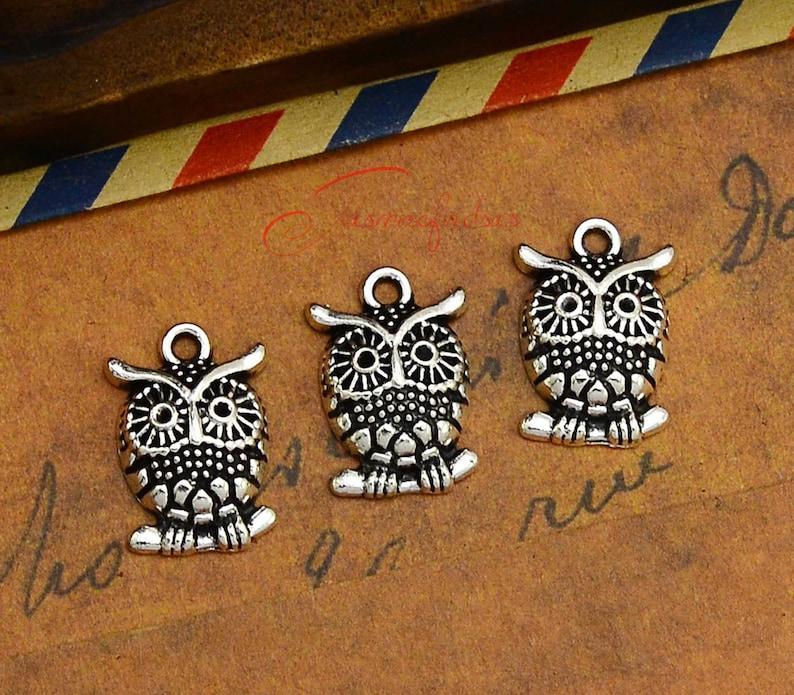 Bone Charm//Pendant Tibetan Antique Silver 17mm  10 Charms Accessory Jewellery