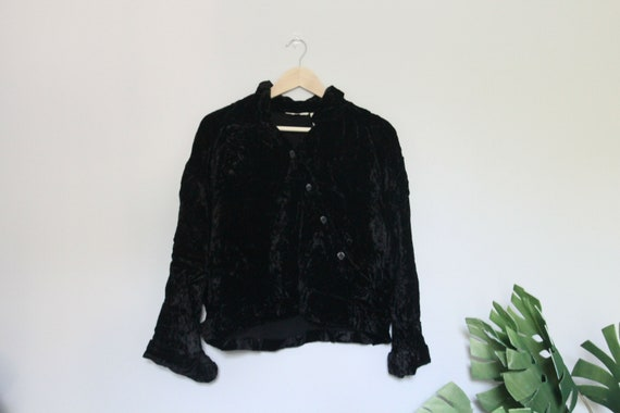 VINTAGE DAL Black Velvet Long Sleeve Blouse: Minim