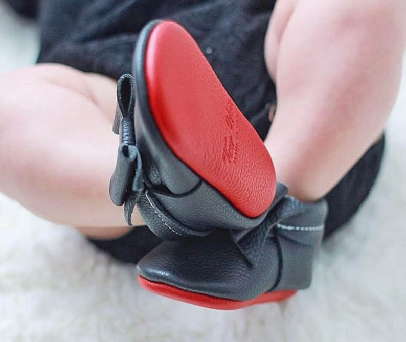 best loved fa2dd b0680 Black Baby Shoes with Red Sole, Moccs , Baby Girl Moccasins, Baby Girl  Shoes, Baby Moccs, Red soles moccs.